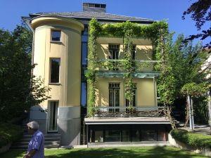 Prenovljena secesijska hisa na Ulici talcev 4 v Ljubljani - vrtna fasada